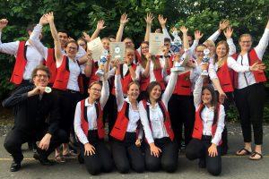 Das JugendBlasOrchester nach der Ergebnisbekanntgabe des Hessischen Wettbewerbs für Jugendorchester in Bad Hersfeld 2019.